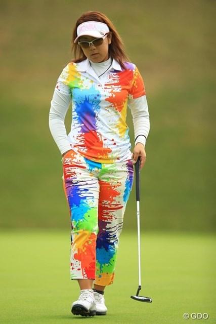 ついにゴルフウェアもここまできたか・・・芸術は爆発だ!