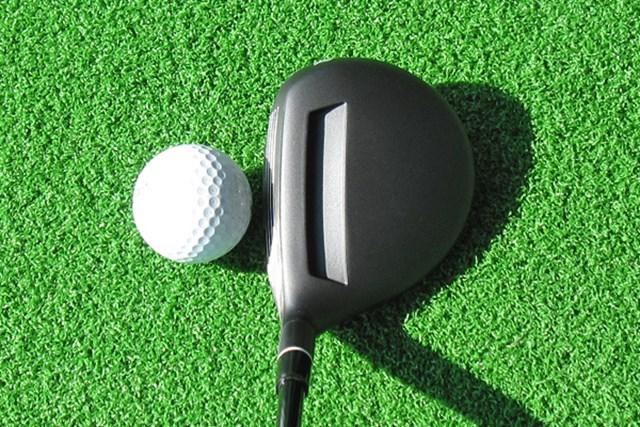 アダムスゴルフの特許であるフェース上部の溝は健在