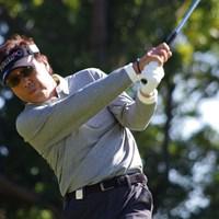 奥田靖己が通算8アンダーで単独首位をキープ 初優勝を懸けた最終日の大一番に挑む 2013年 富士フィルムシニアチャンピオンシップ 2日目 奥田靖己