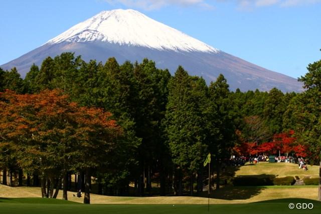 今日は本当に富士山が綺麗で13番ショートホールからの景色を