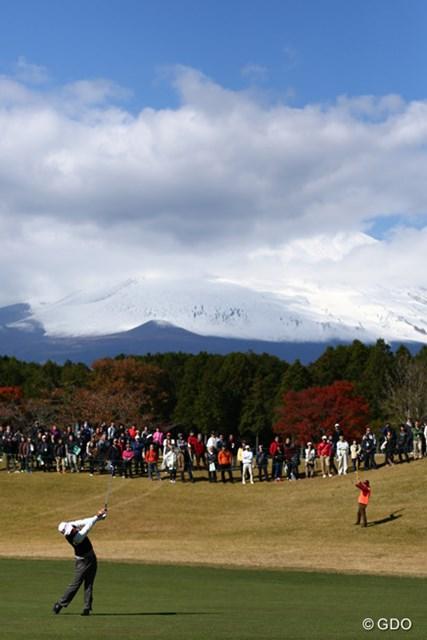 2013年 三井住友VISA太平洋マスターズ 3日目 2番 2番セカンドからの富士山、、、、残念。