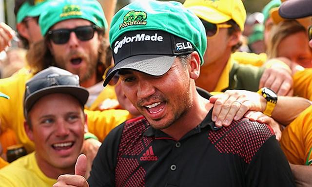 2014年 ISPSハンダワールドカップ 最終日 ジェイソン・デイ ダブル優勝のジェイソン・デイはオーストラリアの私設応援団「ファナティクス」の祝福を受けた(Getty Images)