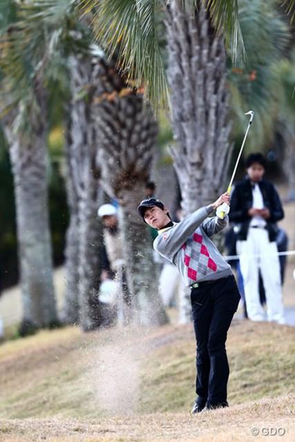 2013 カシオワールドオープンゴルフトーナメント 2日目 大堀裕次郎 ラフからグリーンへと運んだが、グリーン上でまた悲劇が…