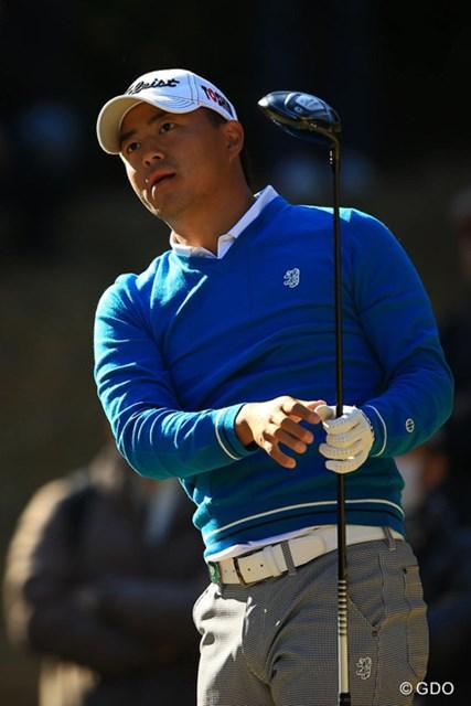 2013年 ゴルフ日本シリーズJTカップ 2日目 小平智 バックナインの3連続バーディなどでスコアを伸ばし単独6位に。今日は片山晋呉とのラウンドで色んな事を学んだようですよ。