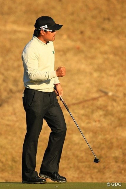 2013年 ゴルフ日本シリーズJTカップ 2日目 宮里優作 李京勲を追いかけ、17番でバーディを奪い再び首位タイに。しかし・・・まさか最終18番で悪夢が待っているとは・・・。