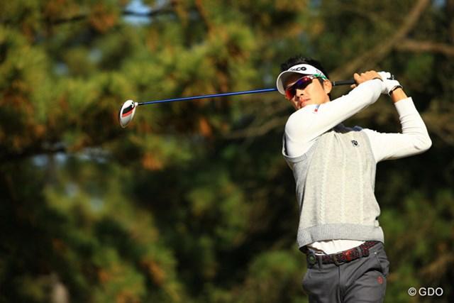 2013年 ゴルフ日本シリーズJTカップ 3日目 キム・ヒョンソン スコアを3つ伸ばして7位タイに。同組でラウンドした山下選手の素晴らしいゴルフに「ハンパない!」と何度も声を掛けていました。