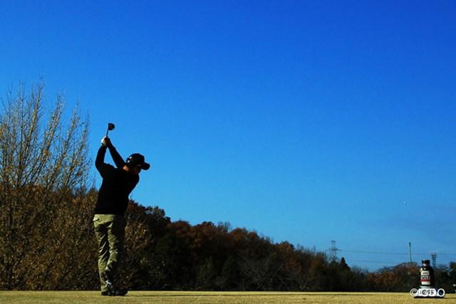 2013年 ゴルフ日本シリーズJTカップ 3日目 薗田峻輔 今日も朝から青空の広がった東京よみうりCC。最終日も天気は良さそうです。みなさん、明日は東京よみうりCCへGO!!!