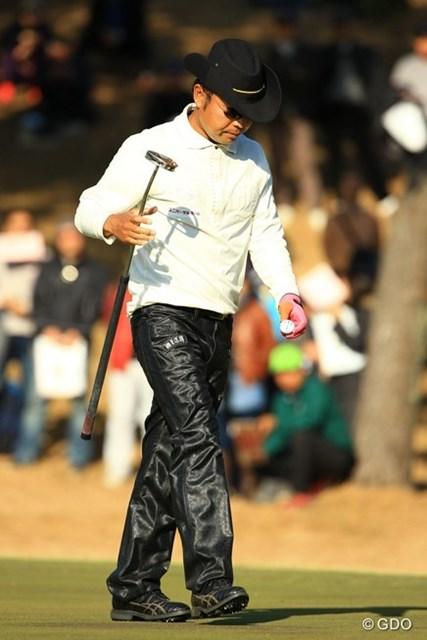 2013年 ゴルフ日本シリーズJTカップ 3日目 片山晋呉 昨日のゴルフはどこへやら・・・。「ない・・・何もない。ゴメンね。」と言葉少なにクラブハウスを後に。