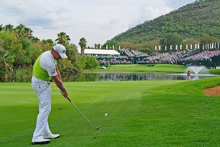 後続に3打差のリード。タイトルに前進して最終日を迎えるJ.ドナルドソン(Getty Images) 2013年 ネッドバンクゴルフチャレンジ 3日目 ジェイミー・ドナルドソン