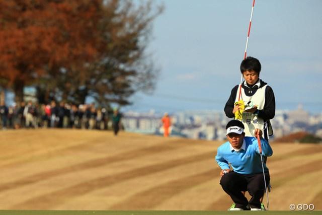 2013年 ゴルフ日本シリーズJTカップ 最終日 呉阿順 最終組の3人がモタつく間に、優勝争いに殴り込み。首位の優作に1打差まで迫りましたが、17番でバーディを決められなかったのが痛かった。単独2位フィニッシュです。