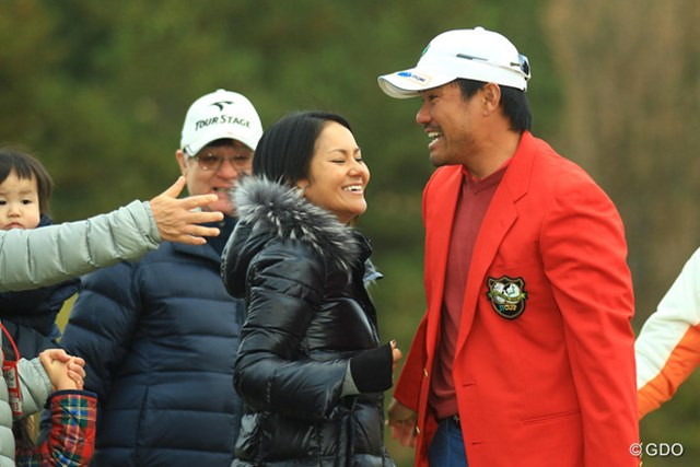 2013年 ゴルフ日本シリーズJTカップ 最終日 宮里藍&宮里優作 コースに駆けつけた宮里藍も兄を祝福!