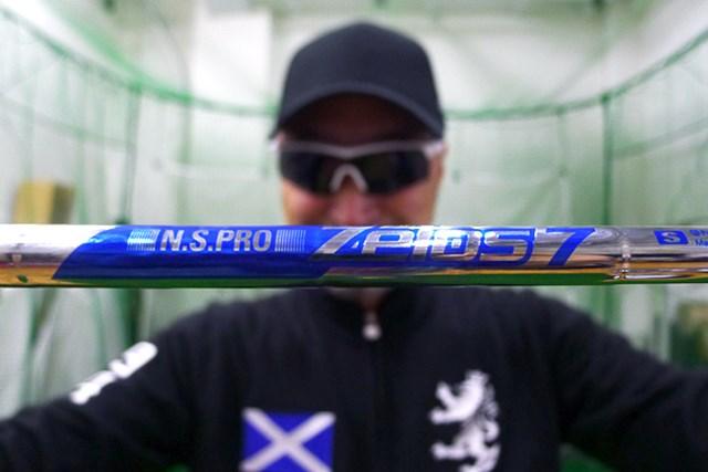 世界最軽量級のアイアンシャフト「日本シャフト ZEROS 7」をマーク金井が徹底検証