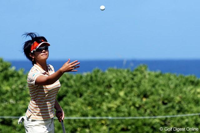 タートルベイは、海のすぐそば。強い風が吹き、選手たちを苦しめる