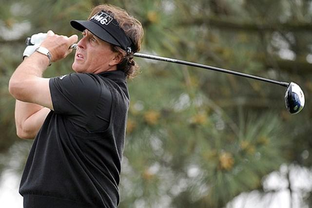 決勝ラウンドに進出したミケルソンだったが、腰痛の影響で棄権した(Stan Badz/PGA TOUR)