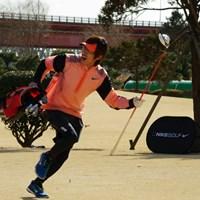 初参加のキングコング梶原さんは、張り切って9ホールのスピードゴルフにチャレンジした 2014年 第1回日本スピードゴルフ選手権 キングコング・梶原さん