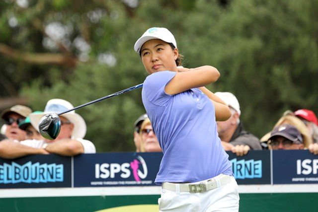 首位タイに立つ17歳のアマチュア、ミンジー・リー
