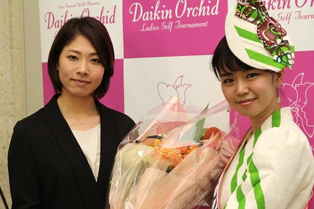 賞金女王でディフェンディングチャンピオン。最も注目を集めている森田理香子とミス沖縄の名護愛(なご ちか)さん(写真:大会提供)