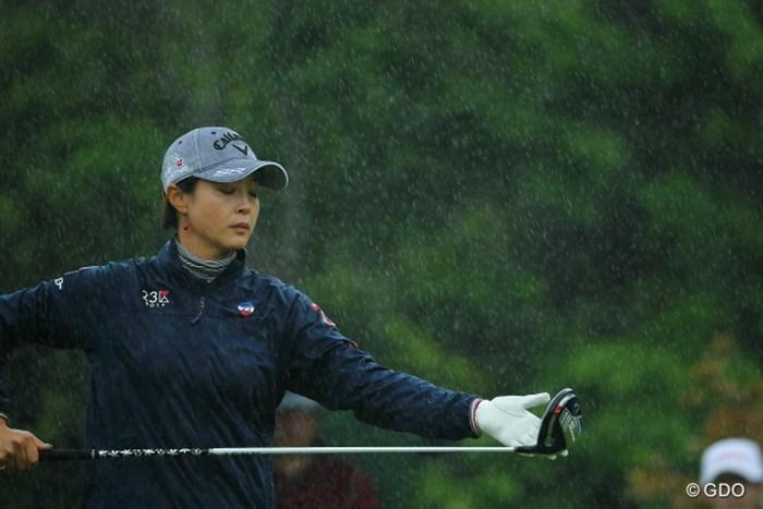 最終組があがる頃、雨は容赦なく振りつづけた。 2014年 ダイキンオーキッドレディス 2日目 下村真由美