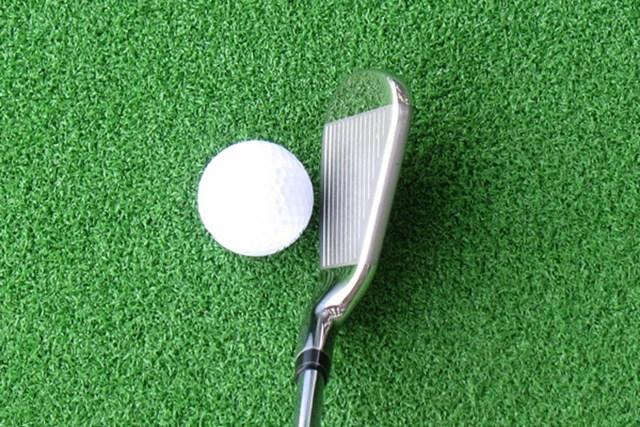新製品レポート キャロウェイゴルフX2 HOT レディスアイアン グースネックが効いていて、球の捕まりは抜群!