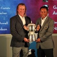アジアのジェイディー主将と欧州のヒメネス主将はカップを手に健闘を誓い合った 2014年 ユーラシアカップ 事前 トンチャイ・ジェイディー ミゲル・アンヘル・ヒメネス