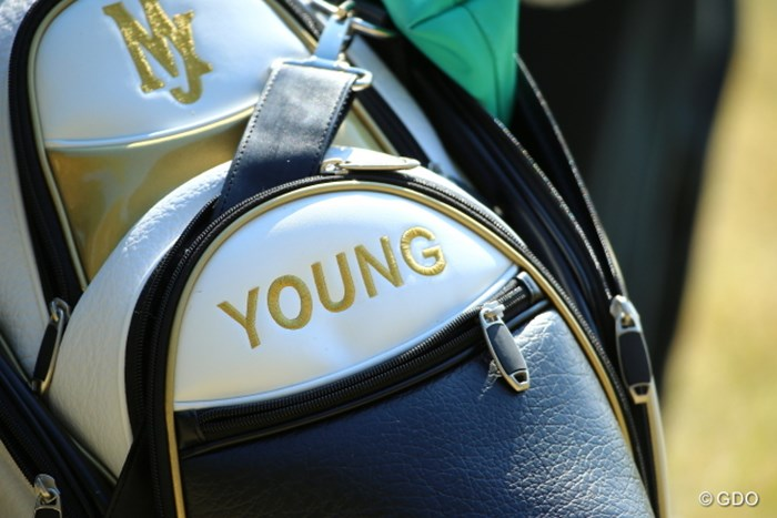 いつまでも若くいられるっていいな。 2014年 ヤマハレディースオープン葛城 3日目 ヤング・キムのキャディバッグ
