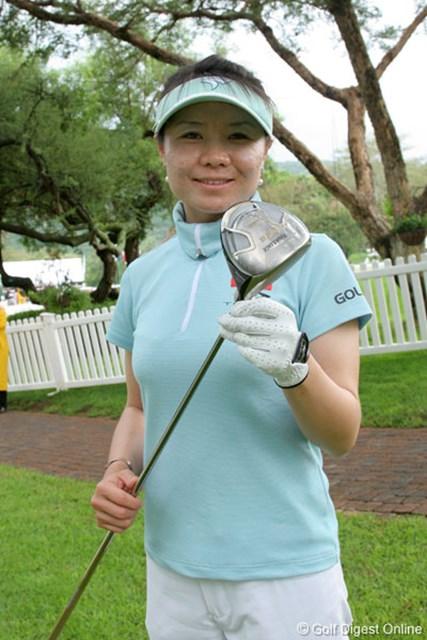 ブリヂストンスポーツと契約を交わした張娜(チャンナ)。W杯女子ゴルフの会場にて撮影