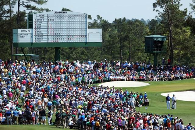 バッバが右の3番ティグラウンドにいます(Andrew Redington/Getty Images)