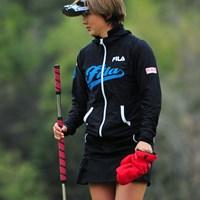 今日は1日中寒かったんですけど、パッツンパッツンのミニスカに手袋ってどない?暑いんでっか?それとも寒いんでっか?42位T 2014年 スタジオアリス女子オープン 最終日 櫻井有希