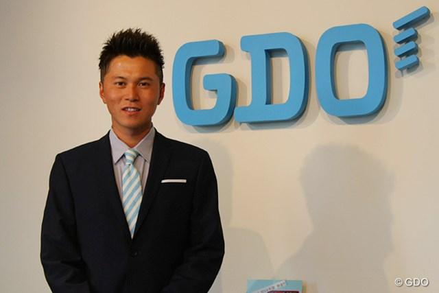 プロデビュー前にGDO本社で今後の目標を熱く語った大堀裕次郎