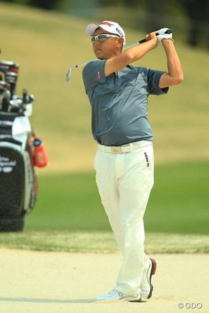 今日は終始、安定したゴルフでしたねぇ。ショットが好調のようです。5アンダー首位タイスタート。