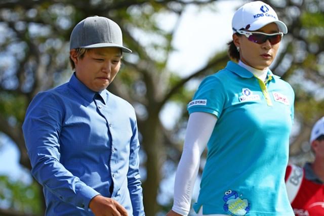 2014年 LPGAロッテ選手権 3日目 野村敏京&朴セリ 野村敏京は「大先輩」と慕う朴セリと初めての同組。緊張と喜びが入り交じる貴重なラウンドとなった