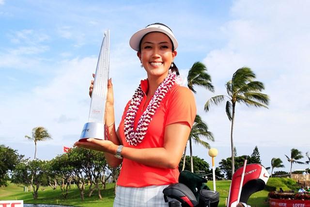 最終日に猛追を見せ、地元ハワイで逆転優勝を飾ったミッシェル・ウィ (Jamie Squire/Getty Images)