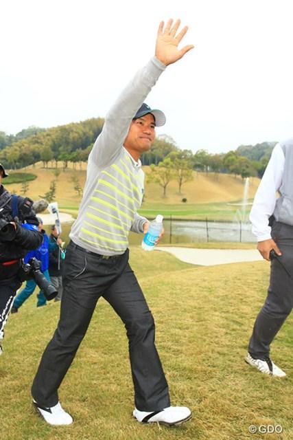 2勝目に涙はない。宮里優作は圧巻のゴルフで国内初戦を逆転優勝で飾った