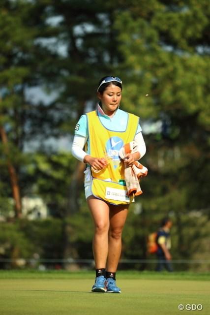 2014年 つるやオープンゴルフトーナメント 2日目 山村彩恵 今日も太もも元気だぞ