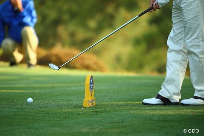 上手い人達は、そこにティアップしてもマークは気にならないのです 2014年 つるやオープンゴルフトーナメント 2日目 横田真一