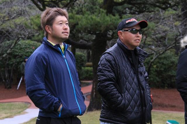弟子の松村道央(左)をいつも気にかける谷口徹