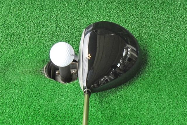 新製品レポート 本間ゴルフ ベレス S-03 ドライバー ヘッドの大きさは460ccながら、シェイプが美しく構えやすい