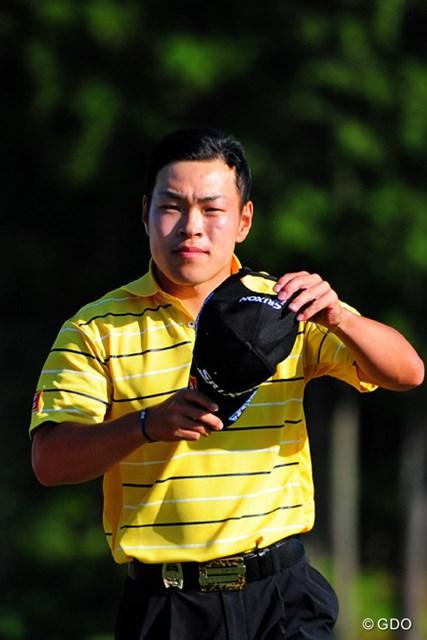 2014年 関西オープンゴルフ選手権競技 2日目 藤本佳則 トレードマークのソフト・モヒカンから一転して、ニューヘアーはなんと7・3分けやったんや~!4位T