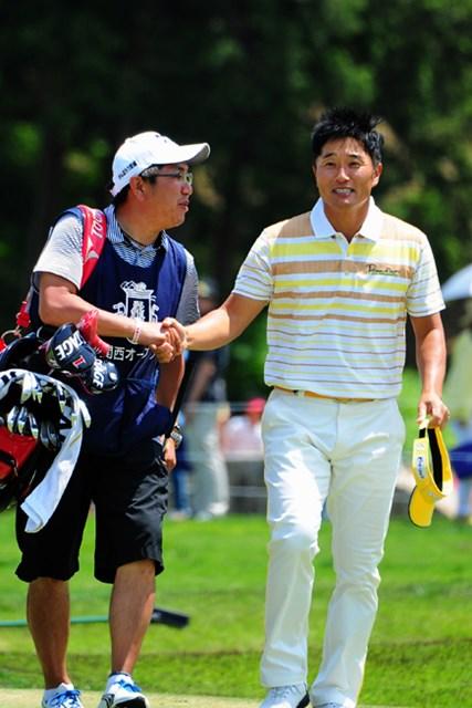 2014年 関西オープンゴルフ選手権競技 3日目 宮本勝昌 怒涛の5連続を含む9バーディで、まだまだ爆発力のあるとこを見せつけてくれましたやん!ホールアウト後はホンマにお疲れさんの表情です。5位T