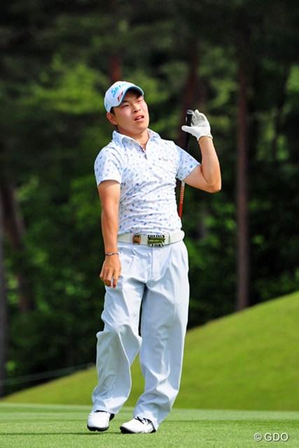 2014年 関西オープンゴルフ選手権競技 最終日 藤本佳則 18番のティショットはコーメーをオーバードライブしてたんやけど、セカンドがグリーンオーバーで万事休す。表情が物語っております。