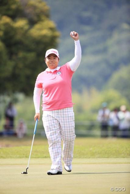 2014年 中京テレビ・ブリヂストンレディスオープン 最終日 アン・ソンジュ ツアーを戦う上でのアン・ソンジュの最優先事項はやっぱり・・・