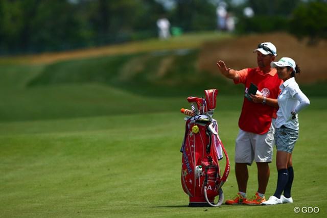 宮里藍はエースキャディを戻したが、出入りの激しいゴルフになった ※2013年「全米オープン」で撮影