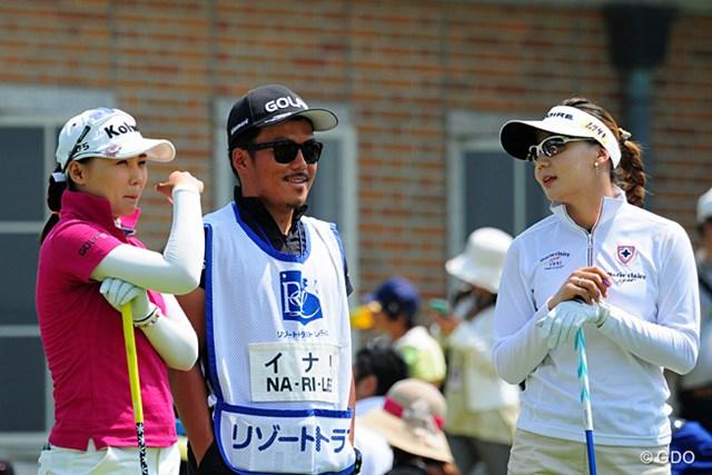 9バーディ、1ボギーの鬼ゴルフのイ・ナリと同組の金ナリ。韓国のリリース、いやナリーズです。それとも両手にナリ?2位T