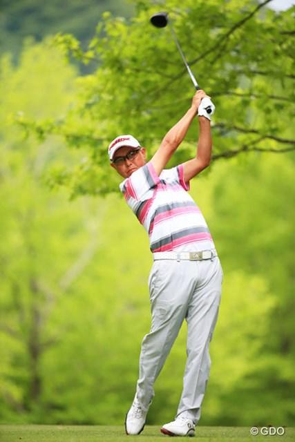 2014年 日本プロゴルフ選手権大会 日清カップヌードル杯 初日 谷口徹 ドライバーショットが好調で4アンダーの単独首位に立った谷口徹