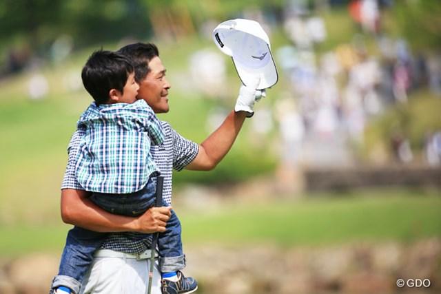 2014年 日本プロゴルフ選手権大会 日清カップヌードル杯 最終日 手嶋多一 愛息の前でメジャー2勝目を果たした手嶋多一