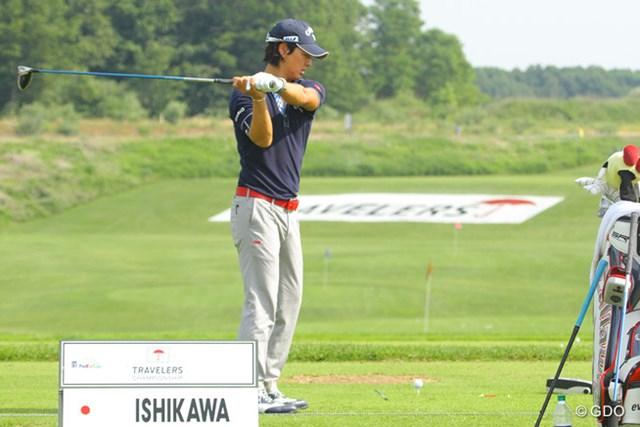 早朝のハーフラウンド後はドライバーショットを中心に打ち込みを行った石川遼