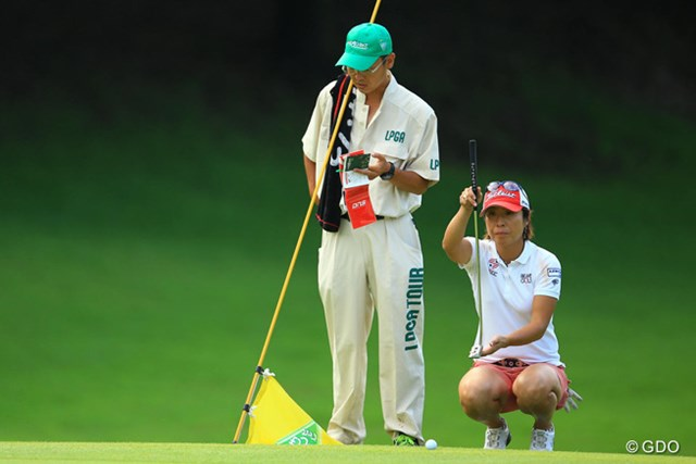 こちらのママさんゴルファーも負けてませんよ。4アンダー3位タイスタートです。