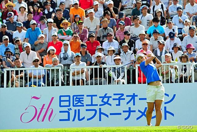 2014年 日医工女子オープン 最終日 斉藤愛璃 「65」「66」とビックスコアを連発して初日の78位から驚異の大まくり。ついに覚醒したのかサイトー・アイリー。8位