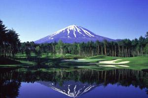 山梨県・鳴沢ゴルフ倶楽部