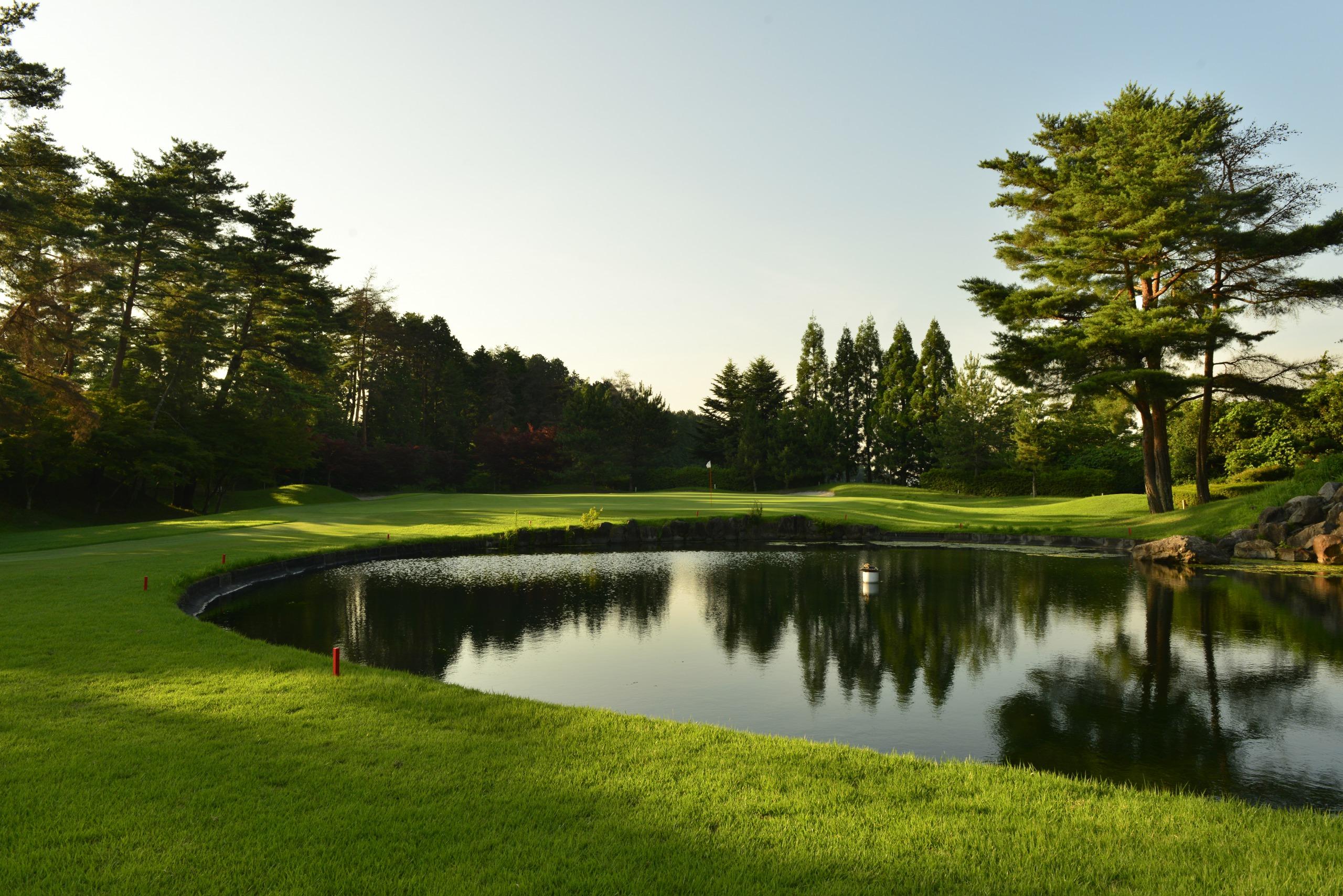 センチュリー・シガ・ゴルフクラブ